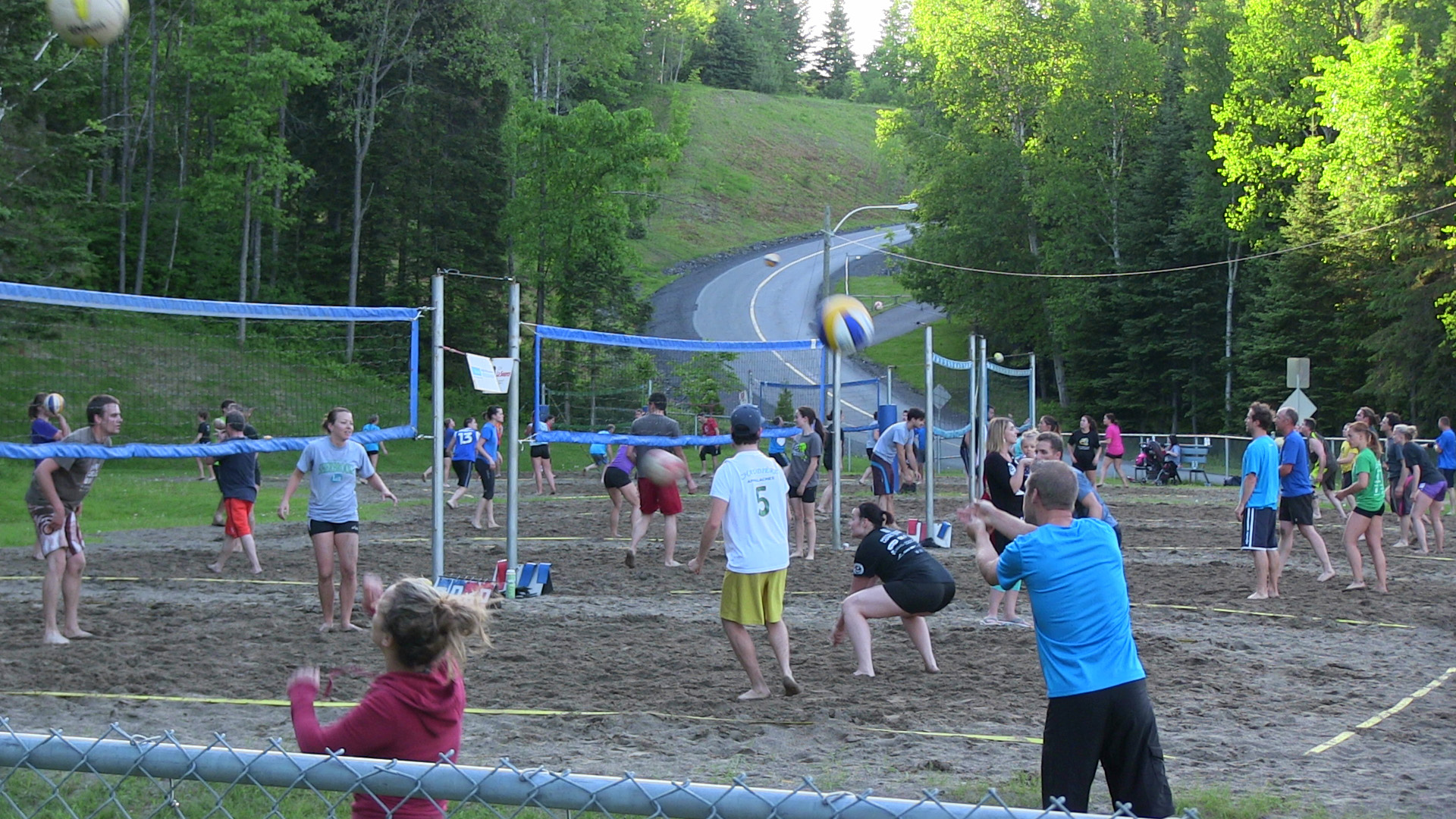 Photo de volleyball au Parc des 7 chutes.
