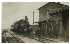 The railroad arrived in 1907Station, 1907.